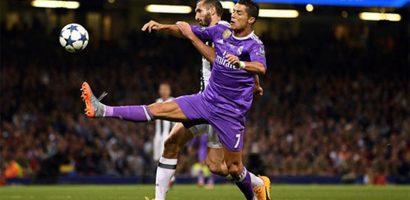 Chiellini: 'Cần may mắn để ngăn Ronaldo ghi bàn'