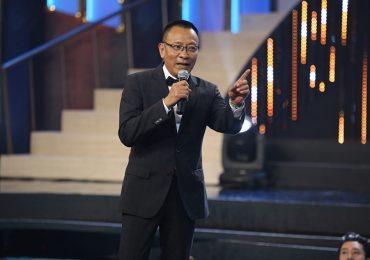 Nhà báo Lại Văn Sâm xuất hiện như 'bố già' ở Quý ông đại chiến