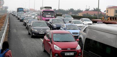 Cảnh đông nghịt ở các khu du lịch, cao tốc 4 ngày nghỉ lễ