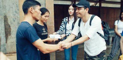 MC Phan Anh nhận 'gạch đá' vì áo quần tinh tươm khi từ thiện vùng lũ