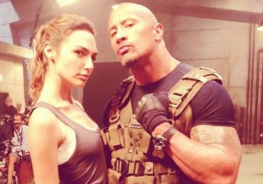 'Wonder Woman' sát cánh cùng The Rock trong bom tấn mới
