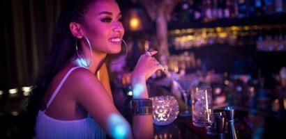 Cindy V khoe giọng hát nội lực trong MV đầu tay mang phong cách Chill R&B
