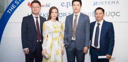 Kwon Sang Woo bảnh bao, Thu Hoài tươi tắn khi sánh đôi tại sự kiện