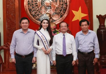 'Hoa hậu Đại sứ Du lịch Thế giới' Phan Thị Mơ về thăm quê hương Tiền Giang