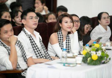 Hoàng Oanh cùng hàng ngàn sinh viên chia sẻ về bí quyết vượt qua khó khăn