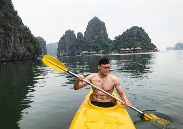 Thủ môn Đặng Văn Lâm 'đốn tim' fan khi vừa hát hay vừa khoe body 6 múi