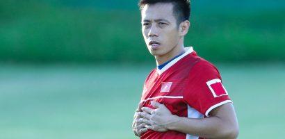 AFF Cup 2018: Đội trưởng Văn Quyết trầm ngâm trong buổi tập của tuyển Việt Nam