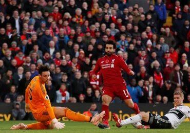 Liverpool chiếm đỉnh bảng Ngoại hạng Anh