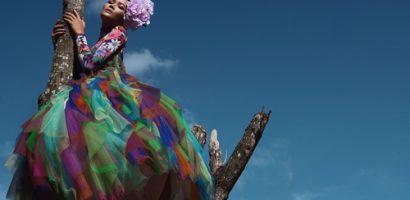Hoa hậu H'Hen Niê rực rỡ như đóa hoa giữa đại ngàn