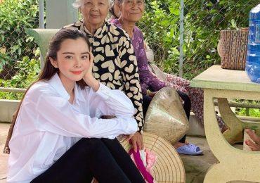 Hoa hậu Huỳnh Vy tặng 1000 kg gạo cho người nghèo