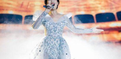 Võ Hạ Trâm tất bật chạy show sau đêm diễn kỉ niệm 12 năm ca hát