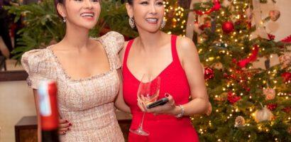 Hoa hậu Hà Kiều Anh mở tiệc cuối năm đãi bạn bè