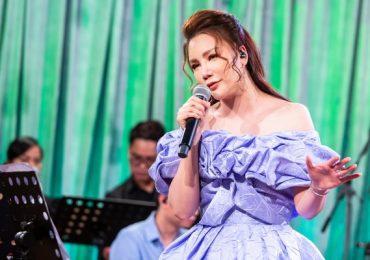 Hồ Quỳnh Hương khoe giọng hát điêu luyện trong concert riêng