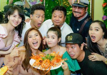 Lucy Như Thảo rạng ngời trong tiệc đóng máy 'Dâu bể đường trần'