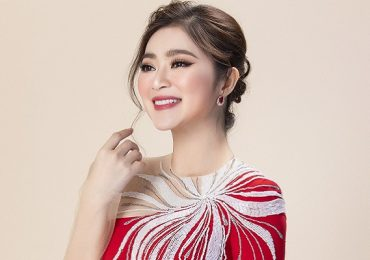 Thanh Trúc e ấp trong tà áo dài của NTK Minh Châu