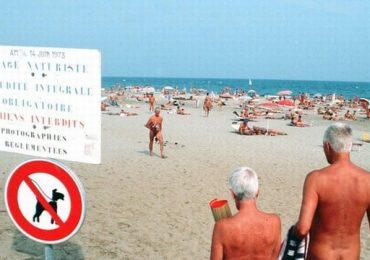 Bãi biển khỏa thân Mexico đông đúc giữa đại dịch